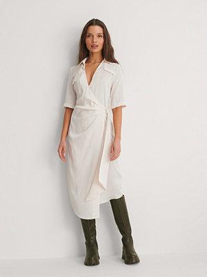 NA-KD Trend Skjortklänning beige