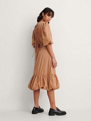 Trine Kjaer x NA-KD Back Detail Volume Sleeve Dress