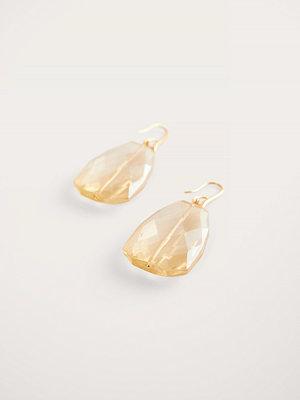 NA-KD Accessories smycke Droppörhängen beige