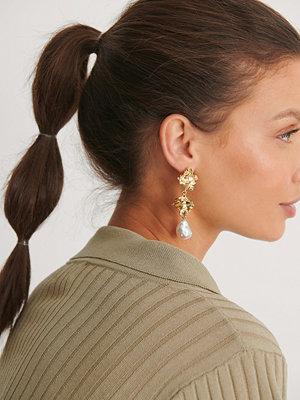 NA-KD Accessories smycke Örhängen Med Pärlor guld
