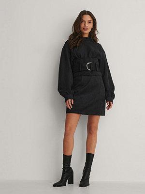 Isha Van Dijk x NA-KD Miniklänning svart