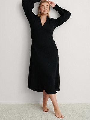 NA-KD Trend Maxiklänning Med Ballongärm svart