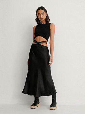 Kjolar - NA-KD Trend Midikjol I Satin svart