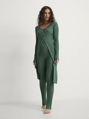 NA-KD Trend Ribbstickad Lång Cardigan grön