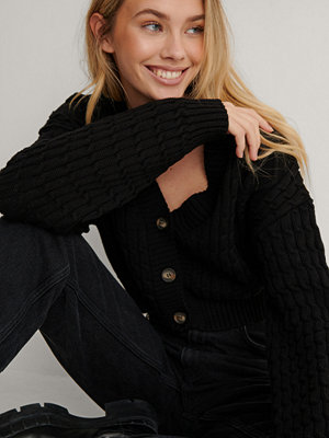 Cardigans - Lisa-Marie Schiffner x NA-KD Ekologisk Stickad Cardigan svart