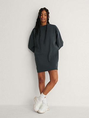 NA-KD Basic Ekologisk Oversize Sweatshirtklänning grå
