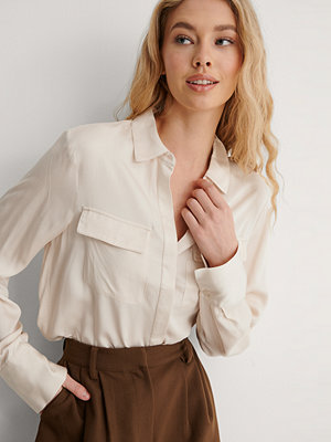 Skjortor - NA-KD Soft Double Pocket Shirt beige