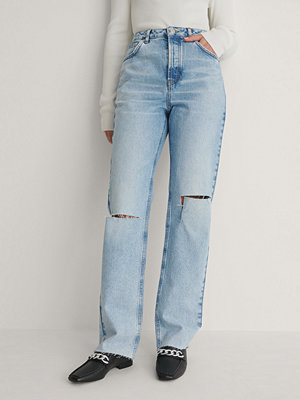 NA-KD Trend Raka Jeans Med Hög Midja Och Slitningar På Knät blå