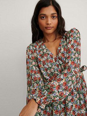NA-KD Miniomlottklänning Med Struktur multicolor