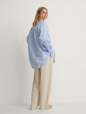 NA-KD Classic Oversized Randig Skjorta blå