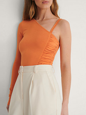 Curated Styles Sidodraperad Topp Med En Ärm orange