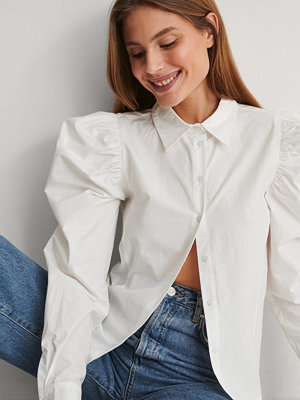 Blusar - NA-KD Skjorta Med Puffärm vit