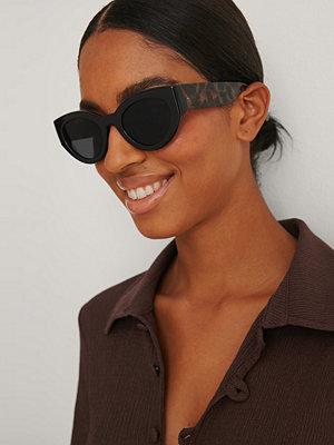 NA-KD Accessories Solglasögon Med Kontrasterande Färger svart