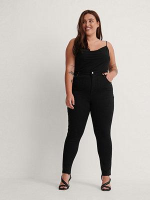 NA-KD Ekologiska Skinny Jeans Med Hög Midja Och Rå Fåll svart
