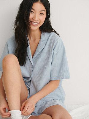 NA-KD Lingerie Kortärmad Organisk Loungeskjorta blå