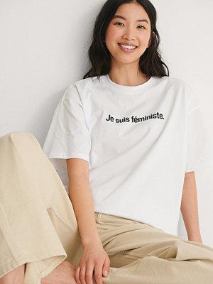 NA-KD Trend Je Suis Feminist T-Shirt vit