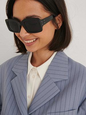 NA-KD Accessories Brett Fyrkantiga Solglasögon svart