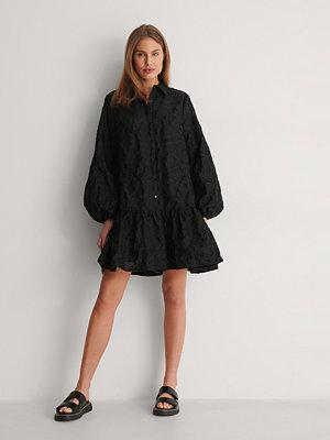 Curated Styles Miniklänning Med Ballongärm svart