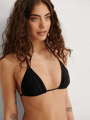 NA-KD Swimwear Återvunnen Triangelbikinitopp svart