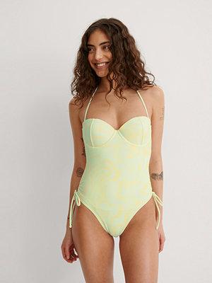 NA-KD Swimwear Baddräkt Med Snören I Sidan gul