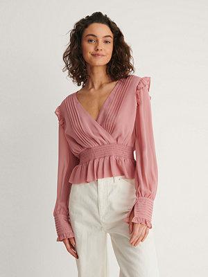 NA-KD Reborn Veckad Blus rosa