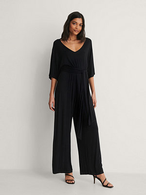 Jumpsuits & playsuits - NA-KD Jumpsuit Med Bältesdetalj svart