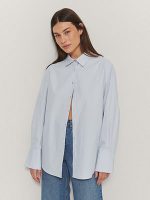 Mathilde Gøhler x NA-KD Oversize Skjorta blå