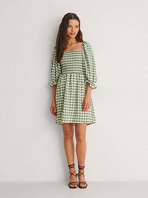 Trendyol Rutig Miniklänning grön