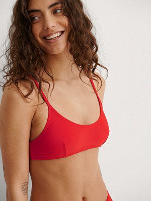 NA-KD Swimwear Återvunnen Bikinitopp röd