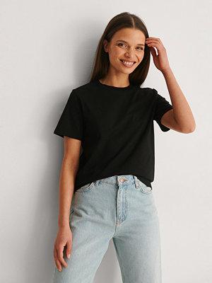 NA-KD Basic T-Shirt I Organisk Bomull Med Rund Hals svart