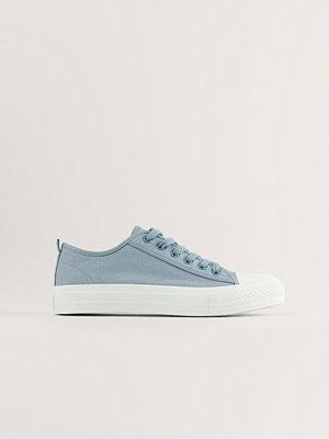 NA-KD Shoes Låga Träningsskor Med Snören grå
