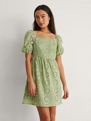 Trendyol Klänning Med Fyrkantig Halsringning grön