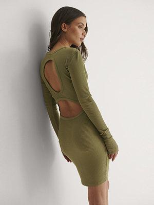 Bella Michlo x NA-KD Miniklänning Med Öppen Rygg grön