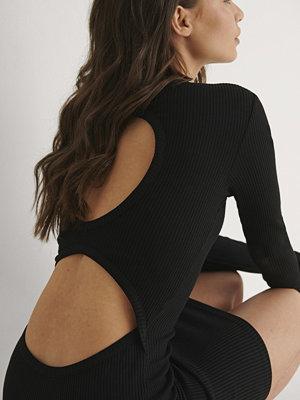 Bella Michlo x NA-KD Miniklänning Med Öppen Rygg svart