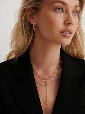 NA-KD Accessories smycke Återvunna Moon Drop Multipärlörhängen guld