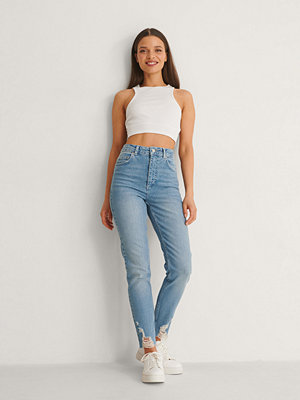 Anika Teller x NA-KD Slim Fit Jeans blå