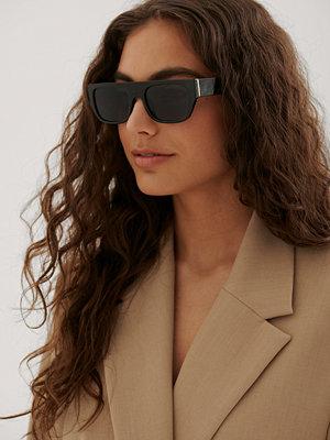 NA-KD Accessories Rakt Solglasögon svart
