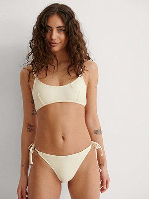 NA-KD Swimwear Recycled bikinitrosa med knytband offvit