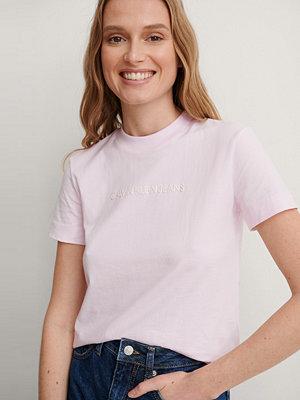 Calvin Klein Ekologisk T-shirt rosa