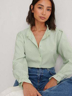 Louise Madsen x NA-KD Skjorta Med Kragdetalj grön
