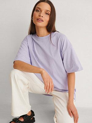 NA-KD Basic Ekologisk Oversize T-shirt lila