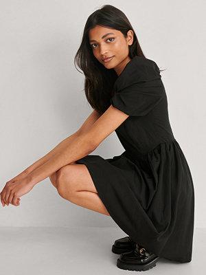 Trendyol Miniklänning Med Ballongärm svart