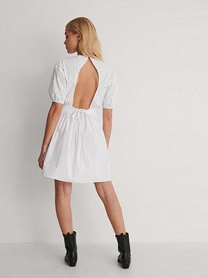 NA-KD Trend Klänning vit