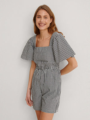 Jumpsuits & playsuits - NA-KD Trend Smockad Playsuit svart