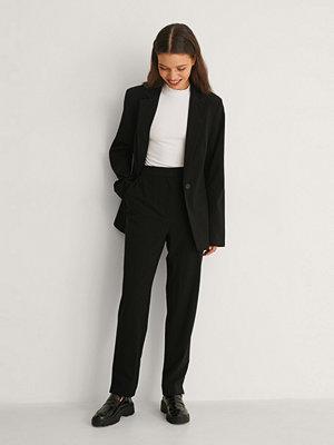 NA-KD Classic Kostymbyxor Med Avsmalnande Ben svart svarta