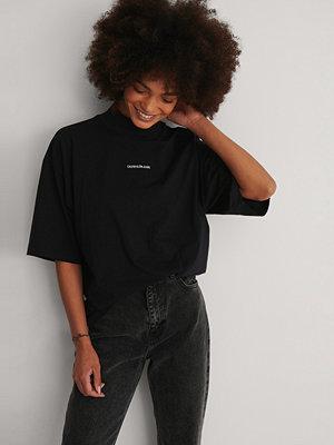 Calvin Klein Ekologisk T-shirt svart