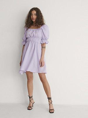 Trendyol Miniklänning Med Fyrkantig Halsringning lila
