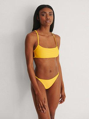 Marije Zuurveld x NA-KD Recycled Bikinitrosa gul