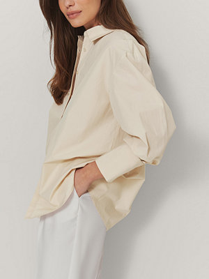 Skjortor - Mathilde Gøhler x NA-KD Oversize Skjorta beige