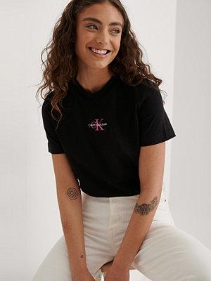 Calvin Klein Ekologisk T-shirt Med Monogramlogga svart